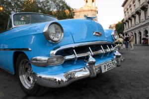 Cuba travel photography old 1950's car Cuba Lo-427